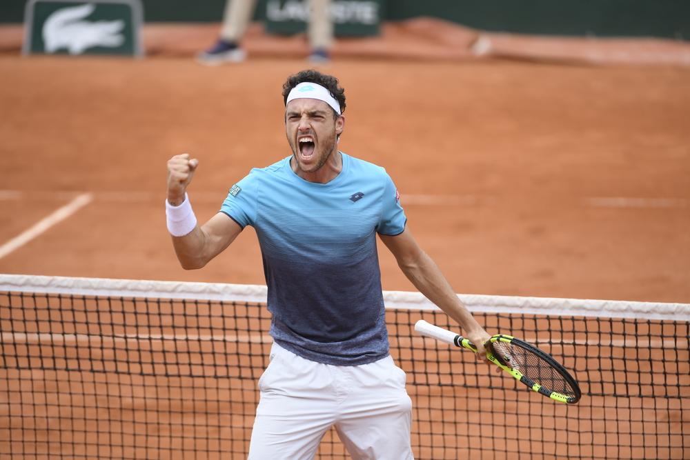 Vittoria Marco Cecchinato per semifinale ai Roland Garros