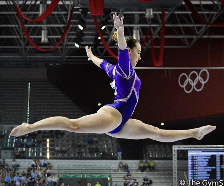 Carlotta Ferlito salto